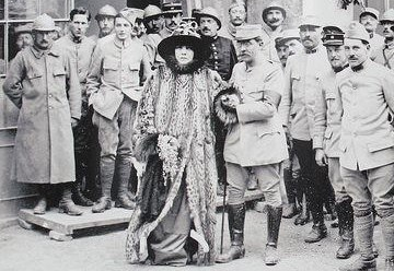 sarah-bernhardt-at-the-front-e1537965960465.jpg
