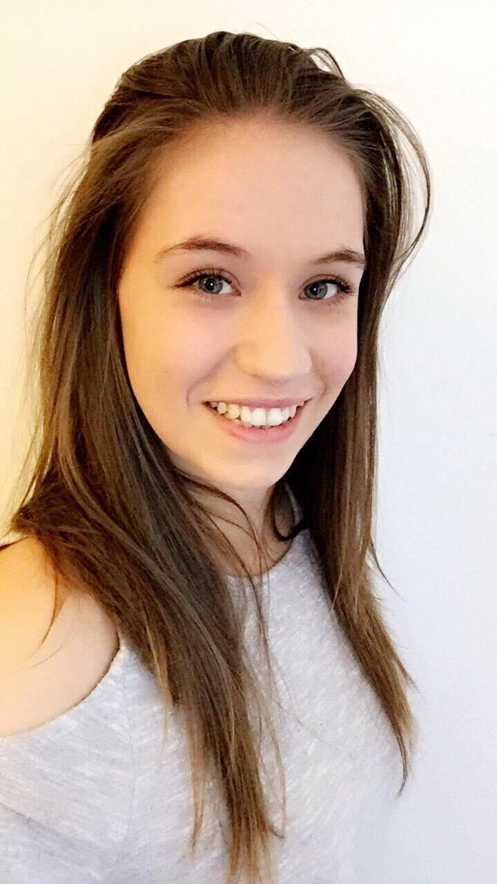 Lauren WoodHeadshot